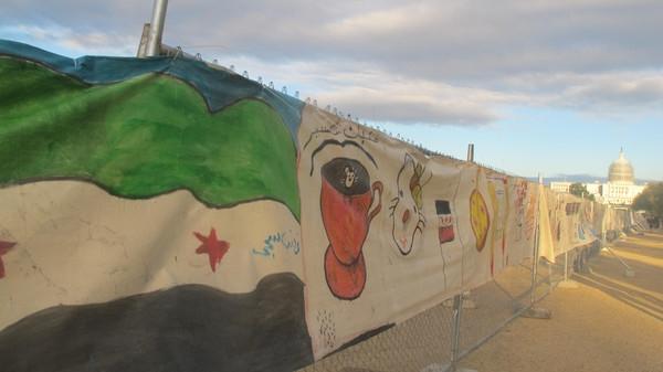 Syrian refugees children displayed Moral in Washingtonimage
