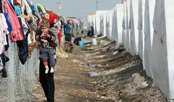 UN resumes food aid for Syrian refugeesimage