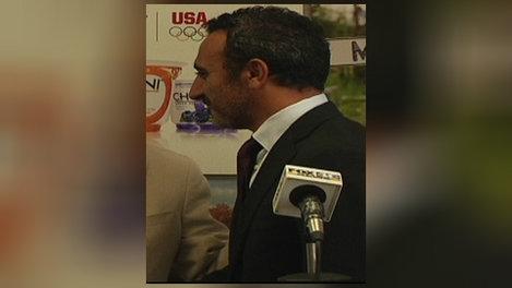 Founder of Chobani pledges $2M to Iraqi Syrian refugeesimage
