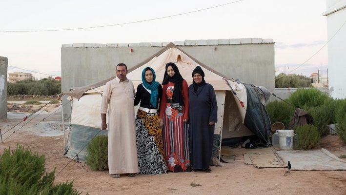 Syrian Refugees, Once Stuck, Enter Jordanimage