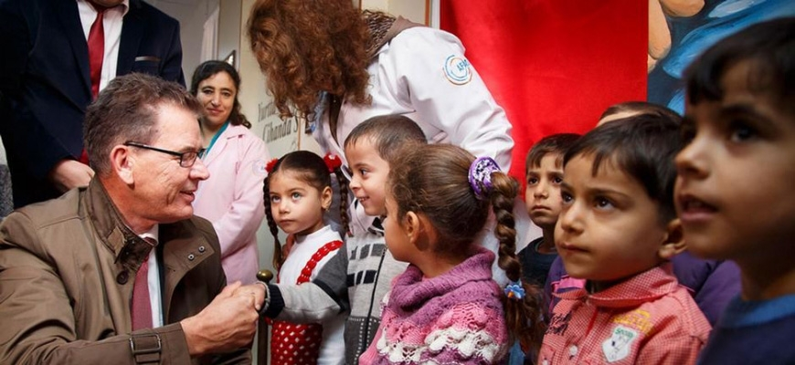 Germany plans aid projects for Syrian refugees in Turkey, Lebanonimage