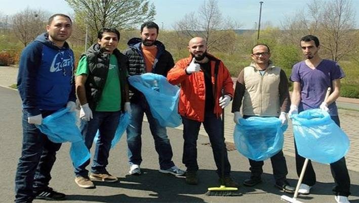 Syrian Refugees Participate in Cleaning Campaign, Saalfeld, Germanyimage