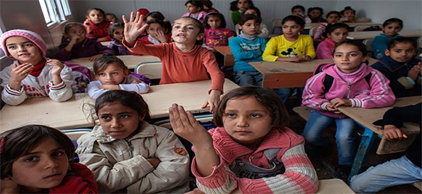 141 thousand Syrian Students in schools of Jordan and the government stress on their right to learnimage