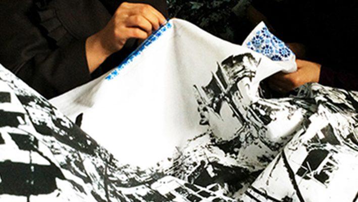 Artists help Syrian refugee women tell their storiesimage