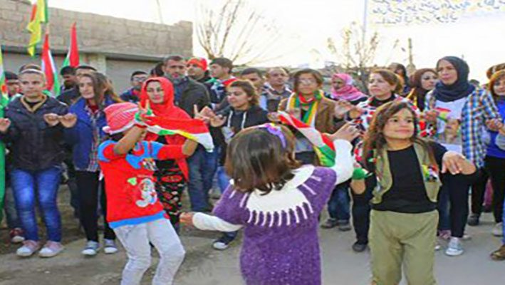 Syrian Children dancing and singing in therapeutic Festivalimage