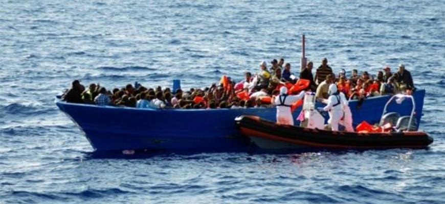 More than 520,000 refugees and migrants crossed Mediterranean in 2015image
