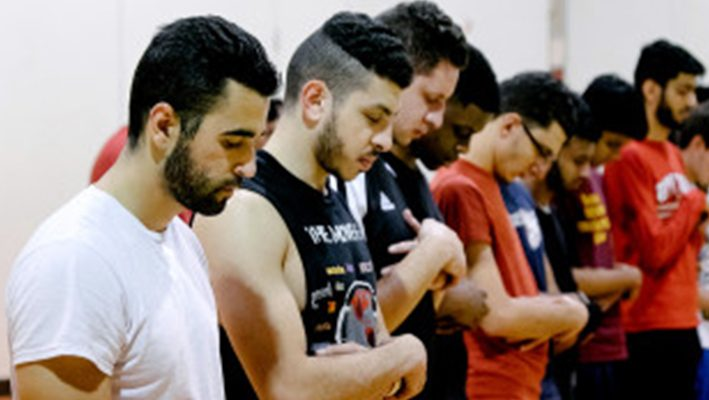 Mass. students gather, play basketball in support of Syrian refugeesimage