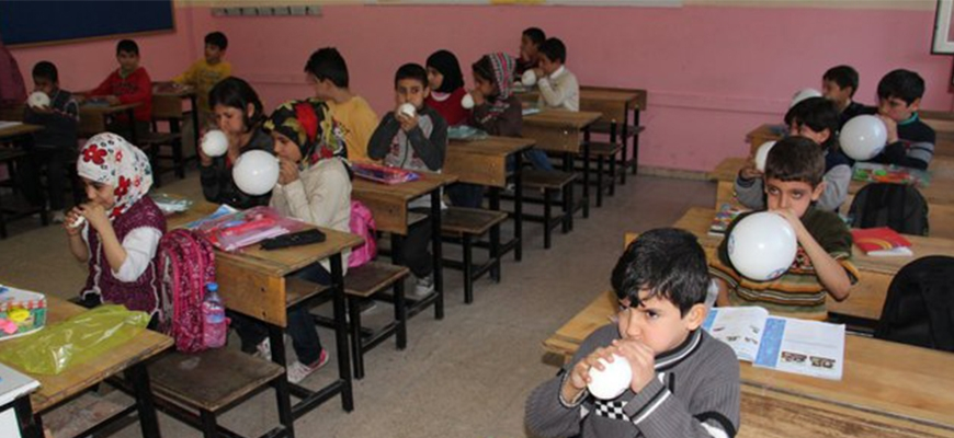 Turkish union helps Syrian studentsimage