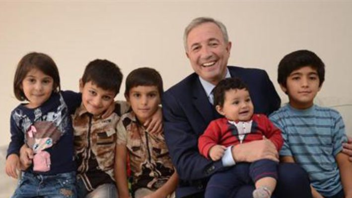 Turkish businessman opens houses to Syrian refugeesimage