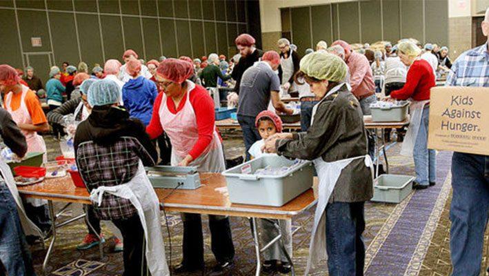 Volunteers need help shipping food to Jordan refugee campimage