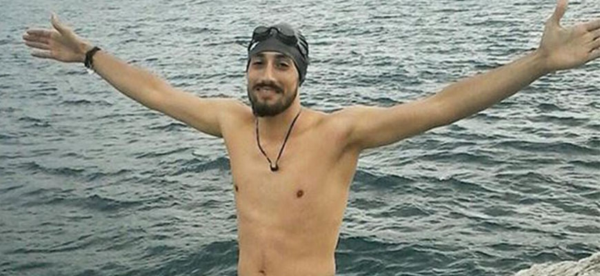 Syrian refugee Ameer Mehtr swims for 7 hours to start new life in Europeimage